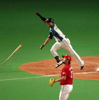 日本シリーズ 第5戦 日本ハム 西川遥輝 劇的 サヨナラ 満塁 本塁打 日本一 王手.png